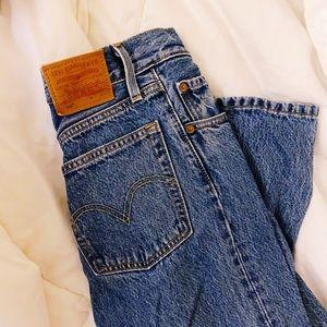 Levis 501 Straight Denim Jeans in Medium Blue Wash